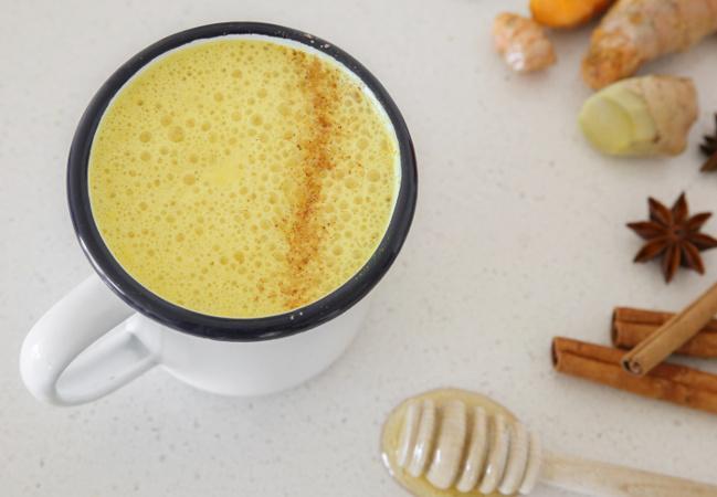 leche-dorada-con-aceite-coco